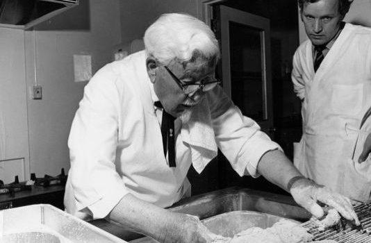 colonel-sanders-cooking